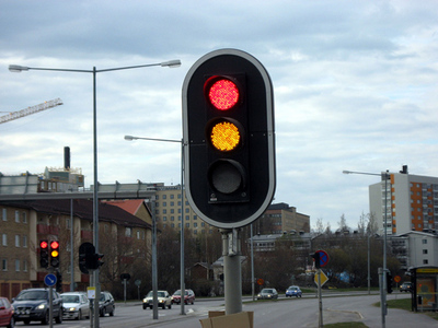LED-traffic-lights-dont-melt-snow-thumb-550x413-30314.jpg