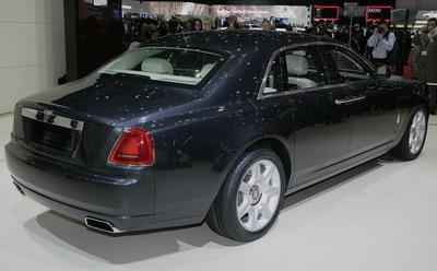 2010-Rolls-Royce-Ghost-02.jpg
