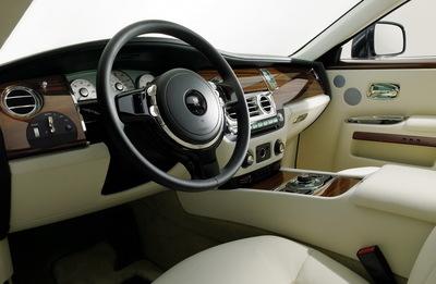2010-Rolls-Royce-Ghost-03.jpg