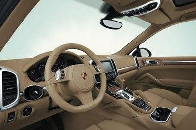 2011-Porsche-Cayenne-14.jpg
