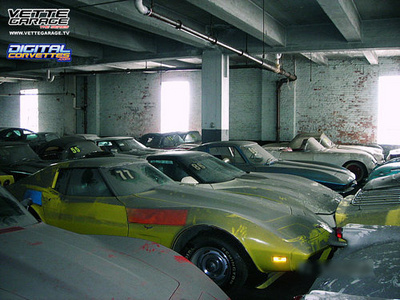 500x_peter-max-corvettes-location-6.jpg