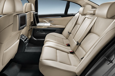 2011-BMW-5-Series-LWB-China-15.jpg