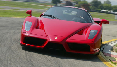 ferrari-enzo-replacement-could-get-v8-power_100217480_m.jpg