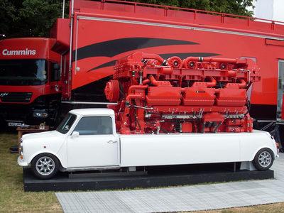 MINI-Cummins-V18-Diesel-02.jpg