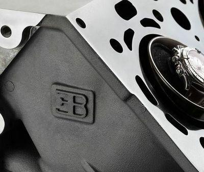 Bugatti-watch-winder-by-Origintimes3.jpg