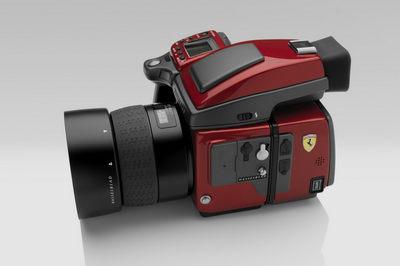 Hasselblad-Ferrari-H4D-Red-1.jpg