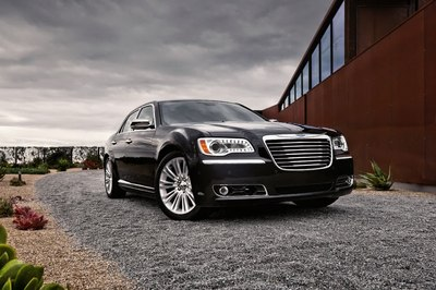 2012-Chrysler-300-33.jpg