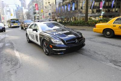 mercedes-fashion-police-patrols-ny-in-a-2012-cls-63-amg-31069_1.jpg