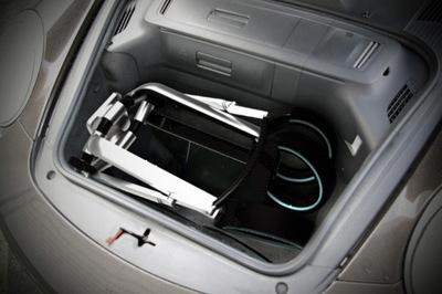 Porsche-Design-P4911-Baby-Stroller-store.jpg