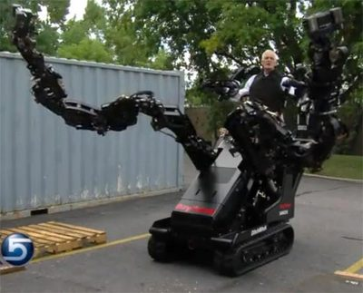 Raytheon-Sarcos-ditch-witch-robot-arm.jpg