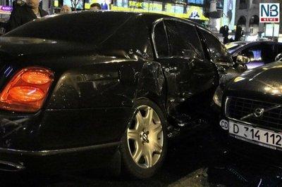bentleyaccident1.jpg