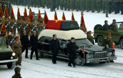 lincoln-limo-funeral.jpg